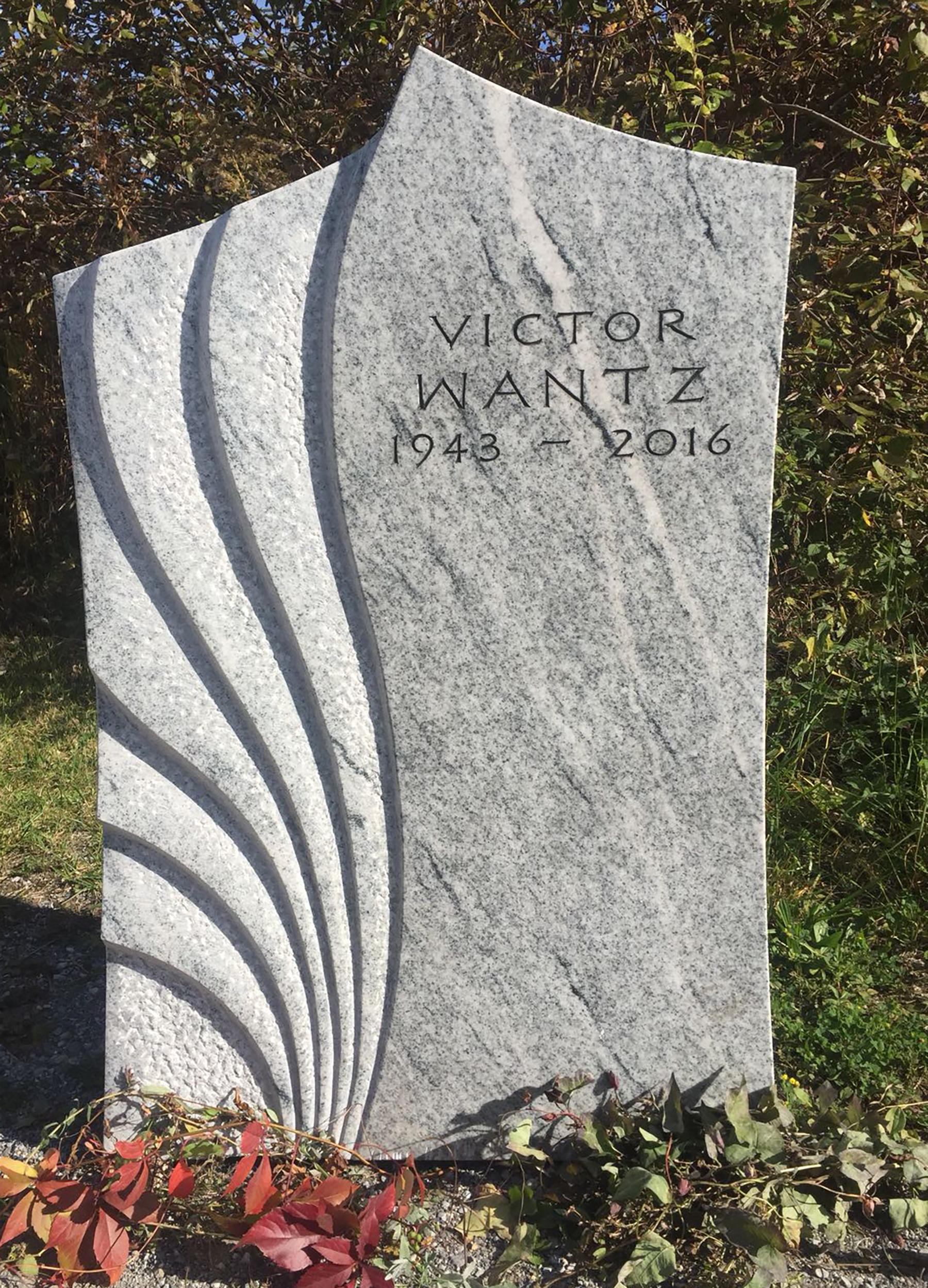 Grabstein aus Viscont-White Granit